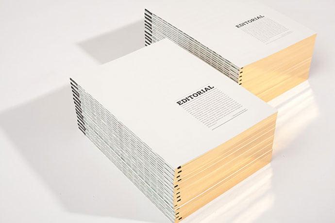 komma-11 - 63+ Surprising Typography In Magazine & Book Designs [year]